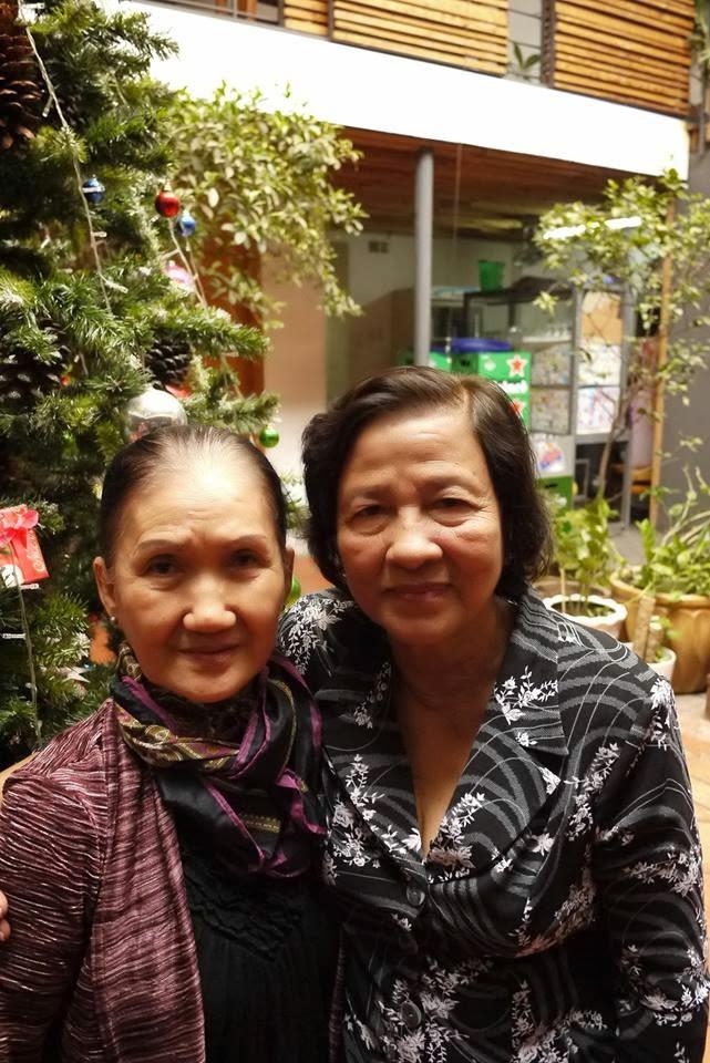 Từ trái sang phải: Bà Thanh (quả phụ Nguyễn Thành Trí) và bà Sinh (quả phụ Ngụy Văn Thà)